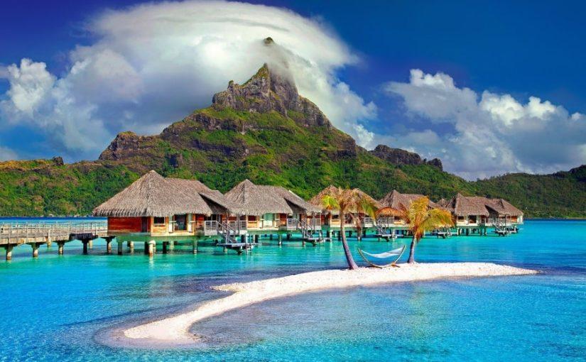 Booking si Airbnb pentru rezervarea vacantelor